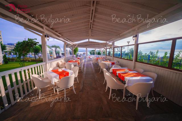 Perla Beach Luxury Hotel18