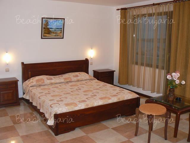 More Hotel2