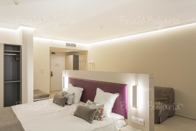 Astoria Hotel14