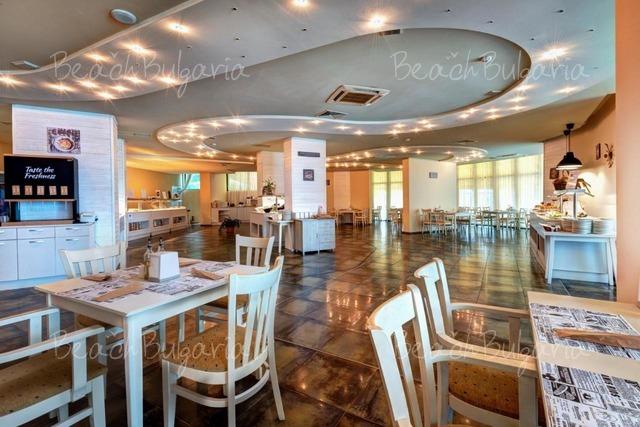 Palm Beach Hotel8