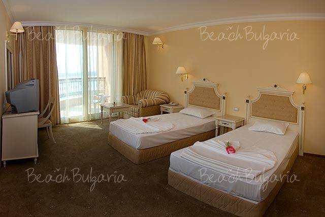 Marina Beach Hotel8