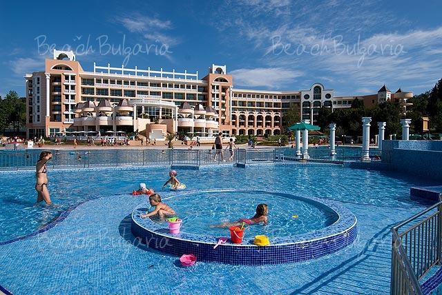 Marina Beach Hotel9