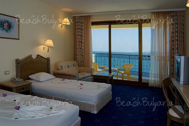 Marina Royal Palace Hotel3