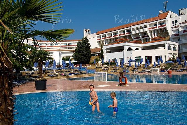 Pelican Hotel12
