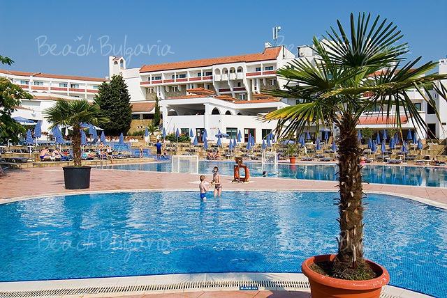 Pelican Hotel8