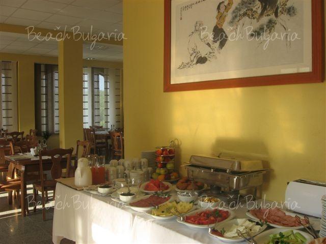 Asti Art Hotel8