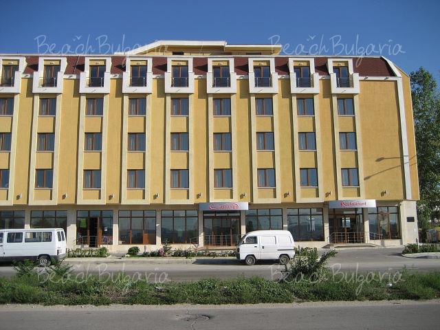 Adamo Hotel