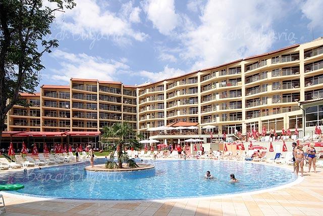 Smartline Madara Hotel