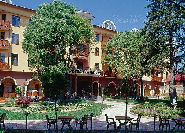 Estreya Palace Hotel