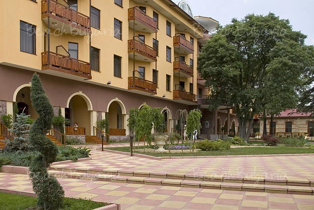 Estreya Palace Hotel3