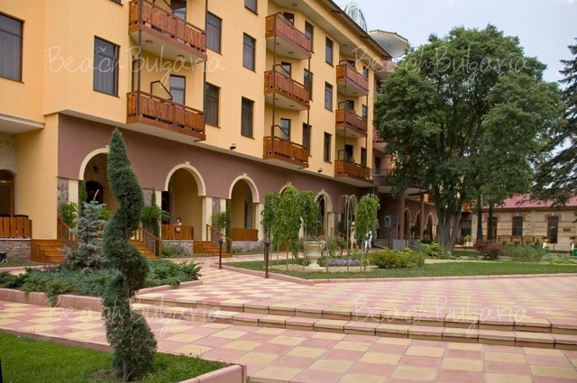 Estreya Palace Hotel4