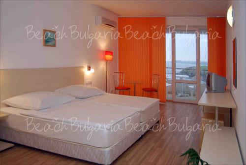 Romance Hotel11