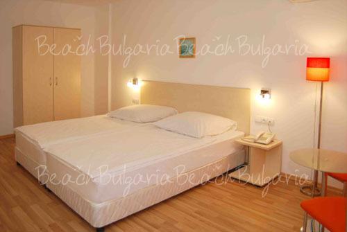 Romance Hotel13
