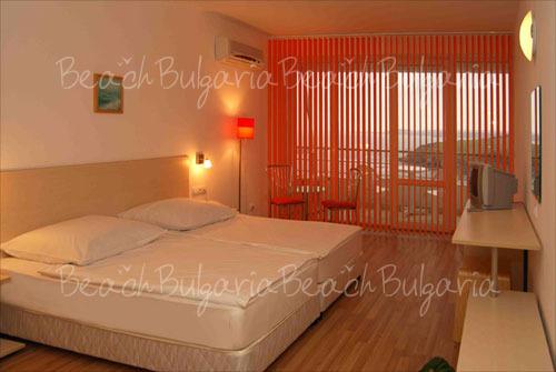 Romance Hotel10
