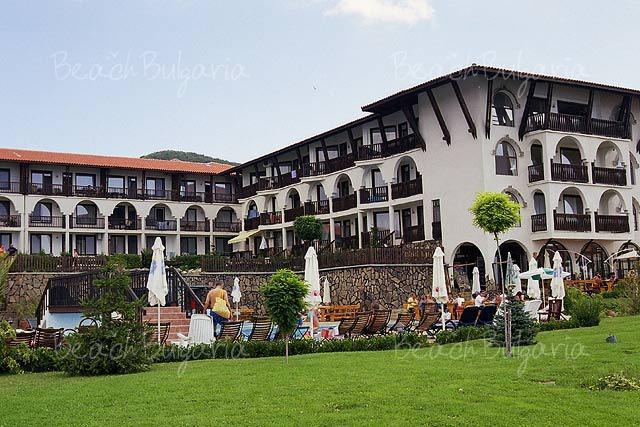 Monastery Aparthotel3