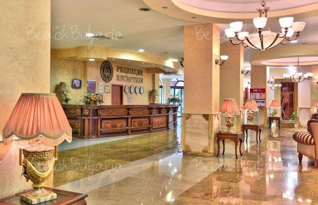 Estreya Residence Hotel3