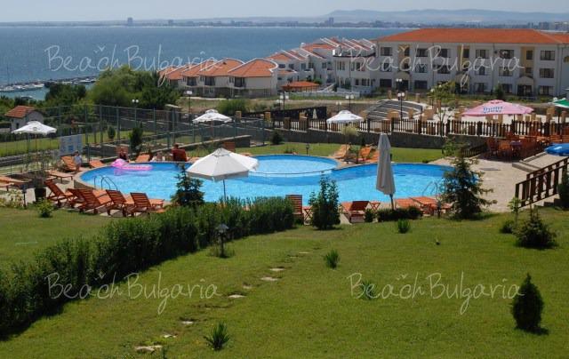 Breeze Hotel2