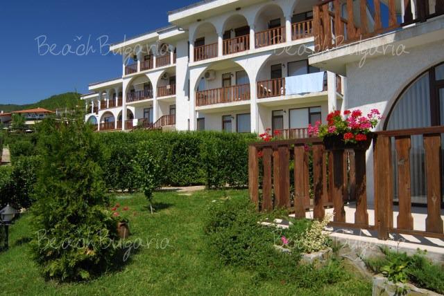 Breeze Hotel3