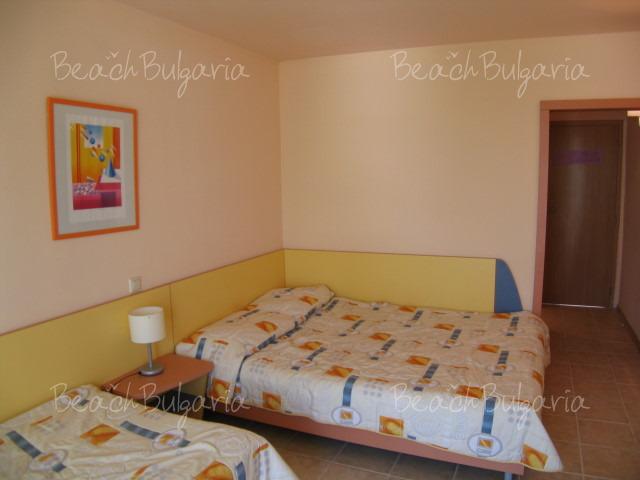 .COM Hotel7
