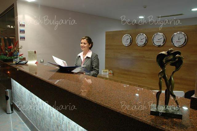 Jeravi Hotel5