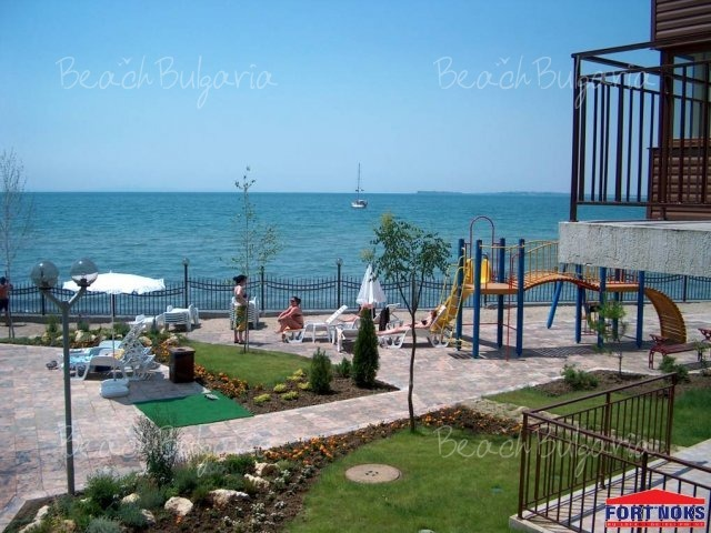 Messambria Fort Beach6