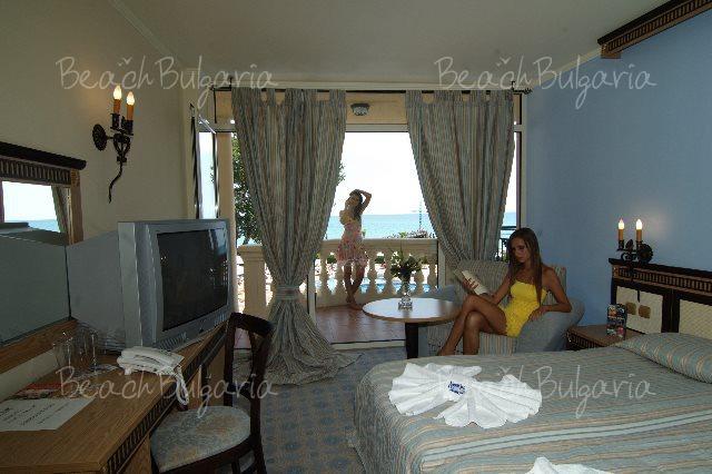 Andalusia-Atrium Hotel9