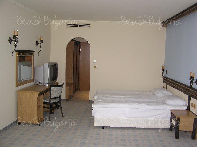 Andalusia-Atrium Hotel10