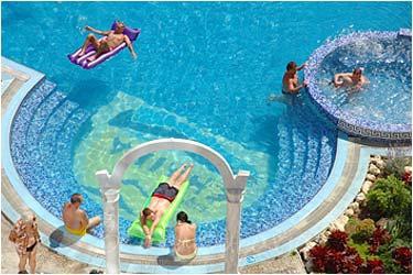 Chaika Beach Hotel5