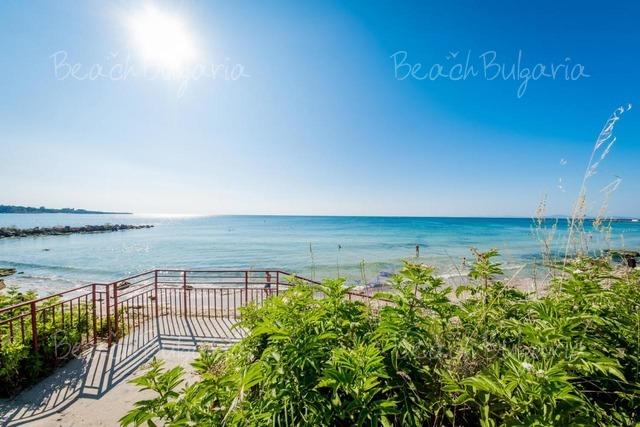 Riviera Fort Beach Hotel4