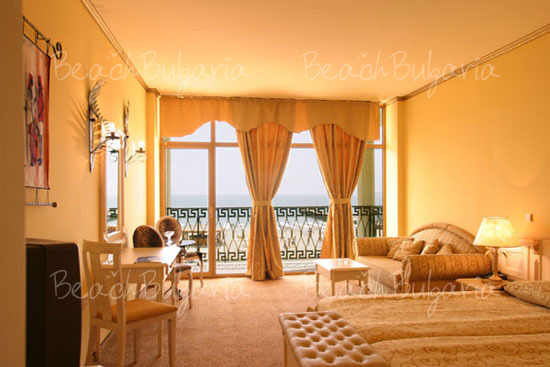 Victoria Palace Hotel12