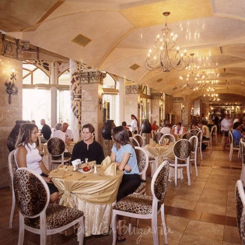 Victoria Palace Hotel13