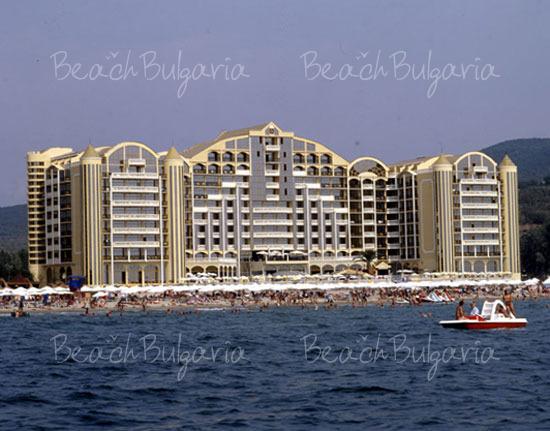 Victoria Palace Hotel3