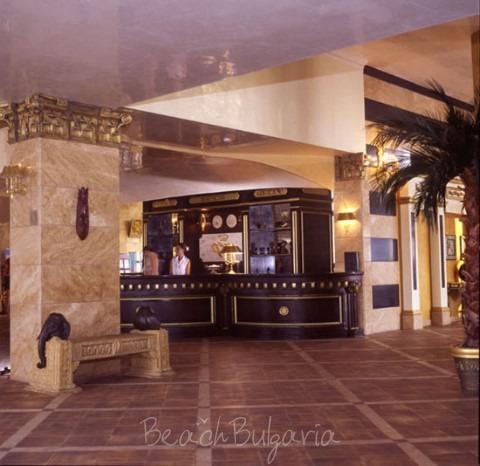 Victoria Palace Hotel9