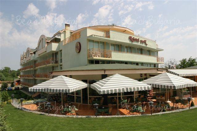 Kristel Park Hotel