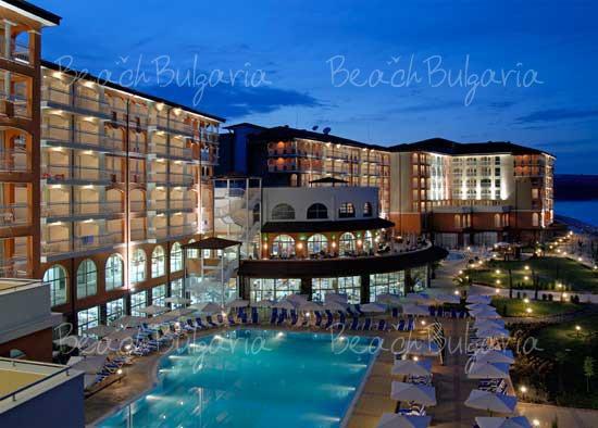 Sol Luna Bay Resort Hotel3