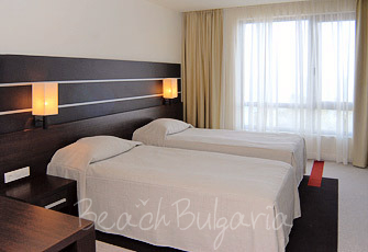 Vigo Hotel2