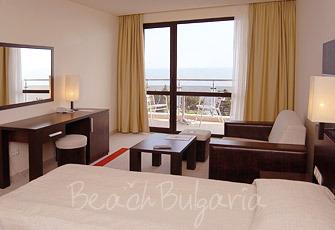 Vigo Hotel3