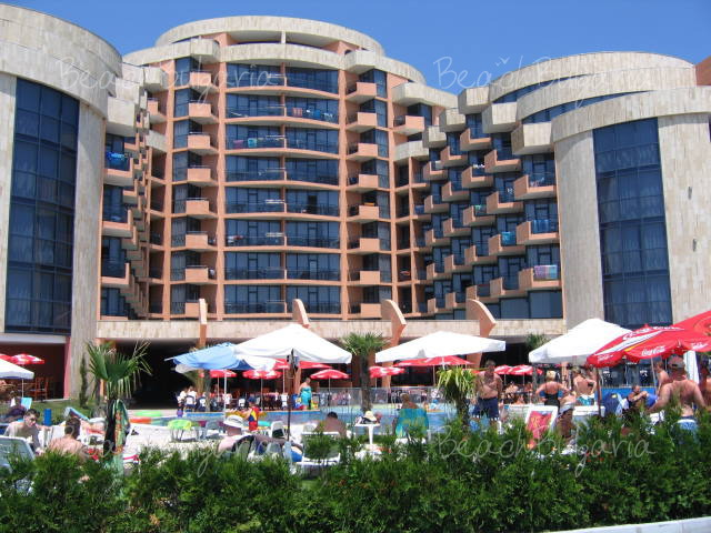 Fiesta M Hotel