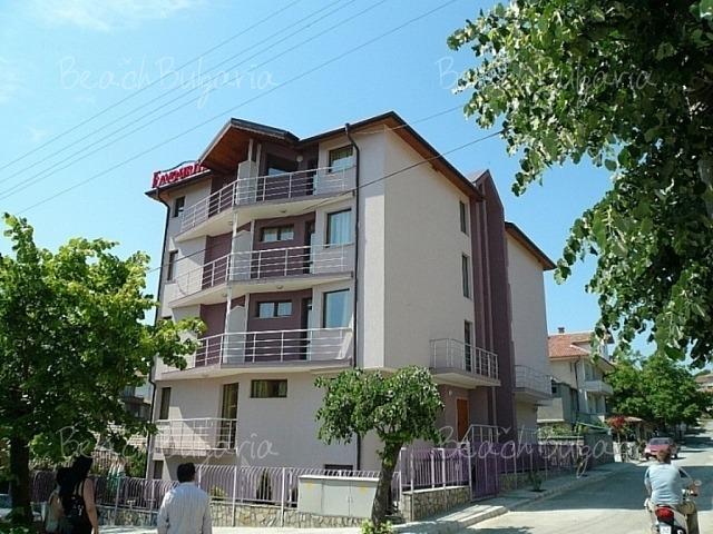 Favourite Hotel2