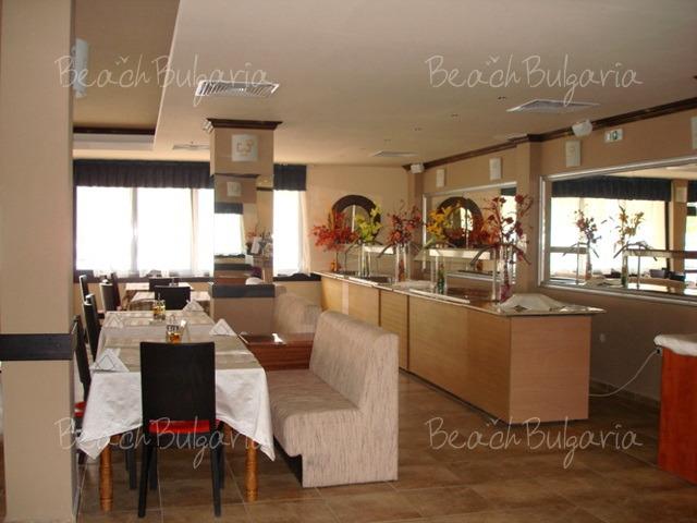 Avalon Hotel12