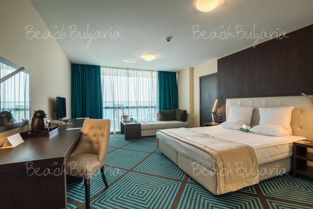 International Hotel11