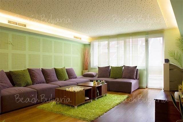 Sunny Apartment4