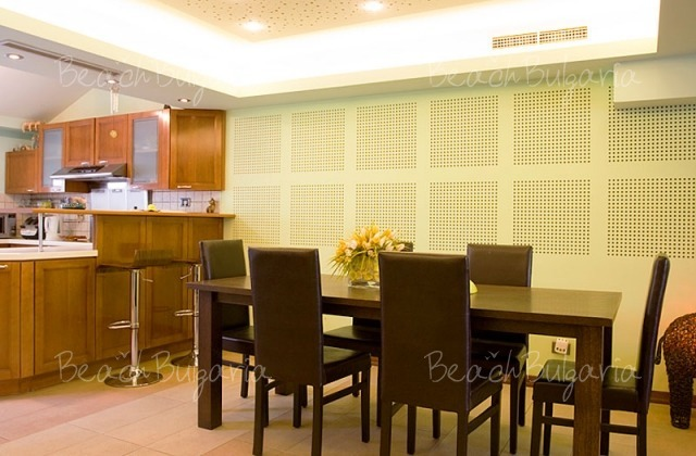 Sunny Apartment5
