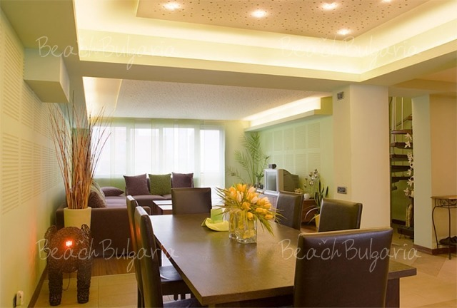 Sunny Apartment7