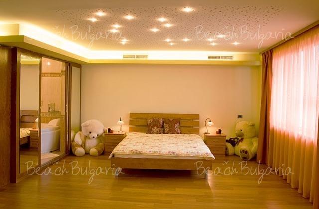 Sunny Apartment8