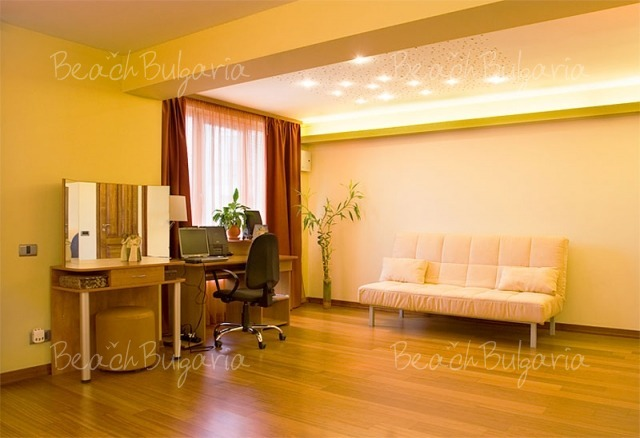 Sunny Apartment9