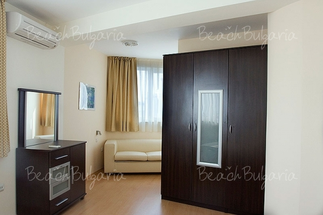 Sky Apartment10