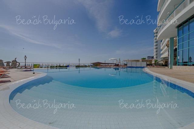 Berlin Golden Beach Hotel9