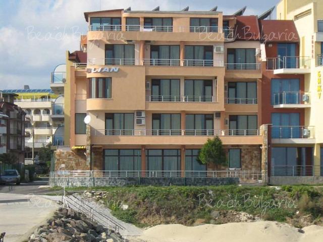 Blyan Hotel