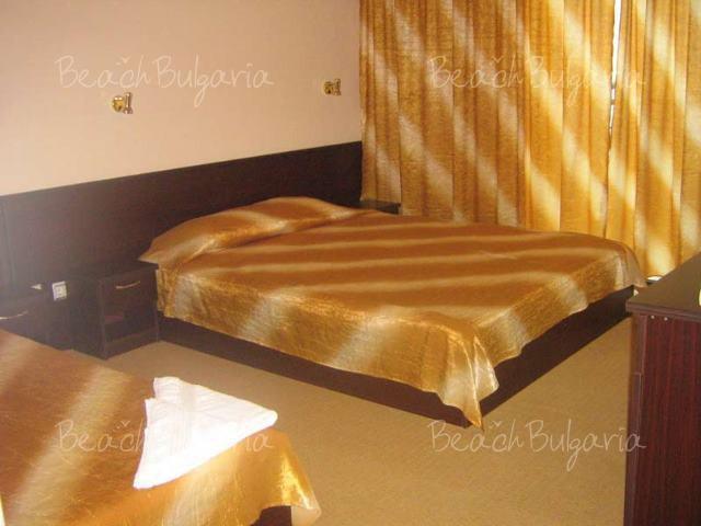 Blyan Hotel 11